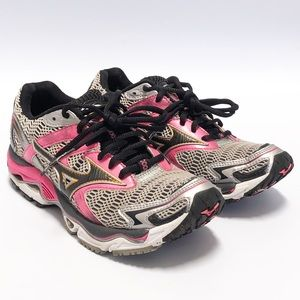 Mizuno Wave Nirvana 8 Running Shoes, size 7